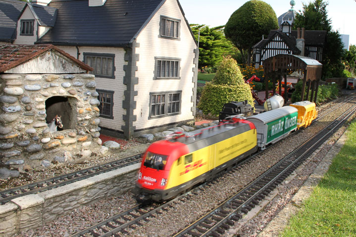 Famous Garden Railway